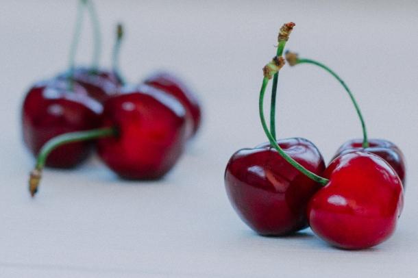 food-cherries